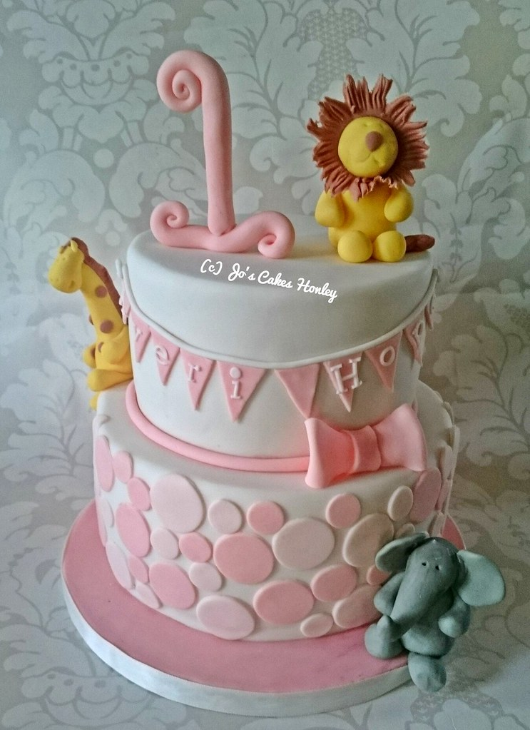 Two Tier Jungle Theme Birthday Cake For A Little Girls Fir Flickr