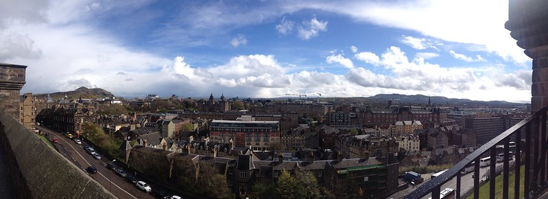 Dating in London. Edinburgh panorama.