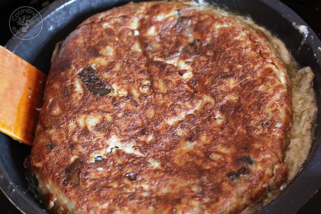 Tortilla de berenjenas www.cocinandoentreolivos.com (10)