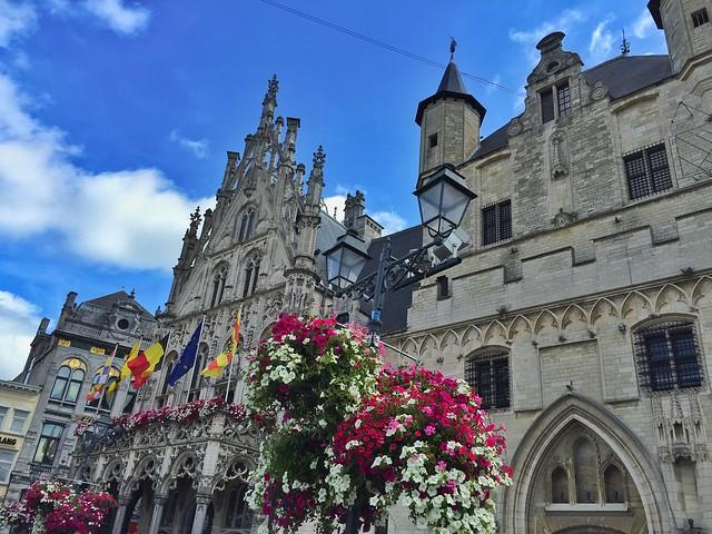 Ayuntamiento de Malinas (Mechelen) en Flandes (Bélgica)
