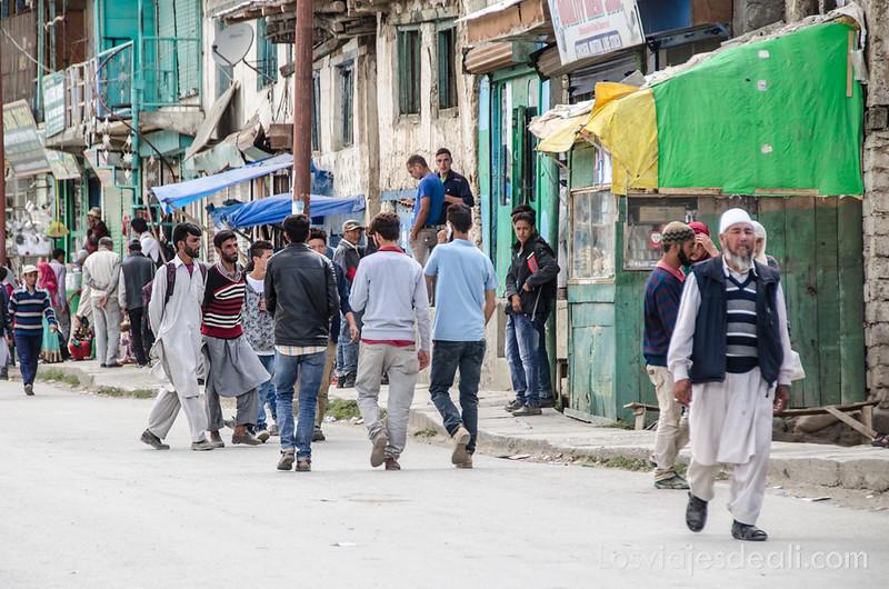 pueblos de Cachemira calle principal de Drass