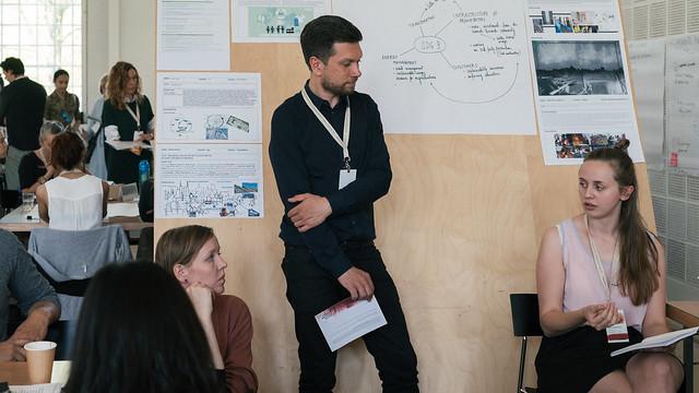 超過百位研讀設計、傳播和商業類別的學生在哥本哈根時尚高峰會前,共同討論時尚界的未來想像。YFS - mellow day 2-73。圖片來源: Copenhagen Fashion Summit 2016(media use)