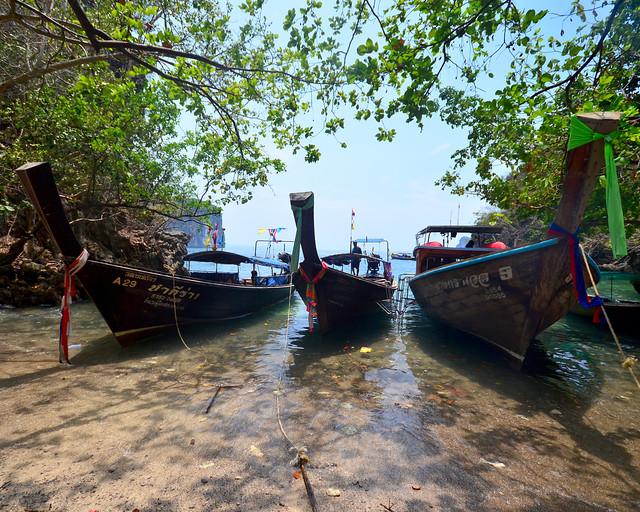 Aparcamiento de barquitas en Koh Lading