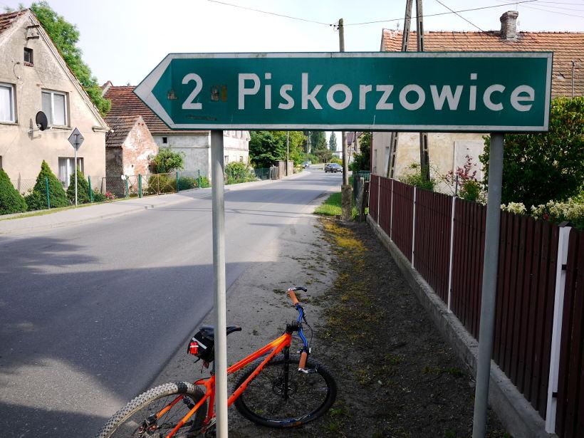 Peiskerwitz -- drogowskaz na Piskorzowice czyli donikąd