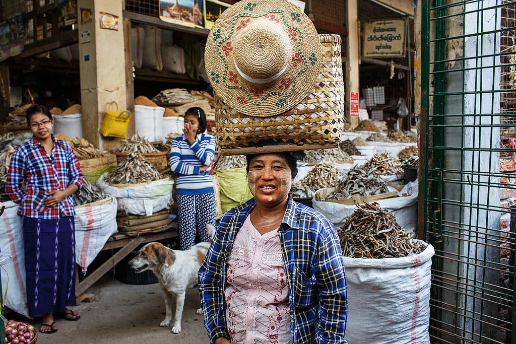 Shopping - Monywa, Myanmar