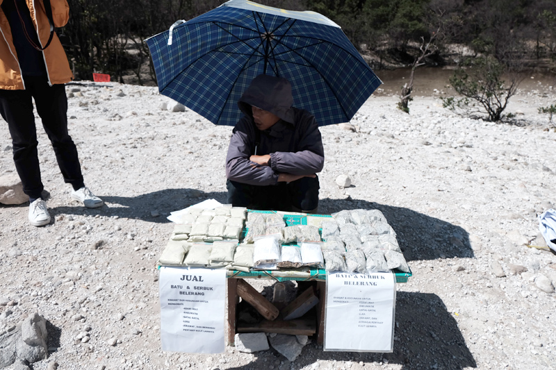 sulfur stones for sale kawah putih