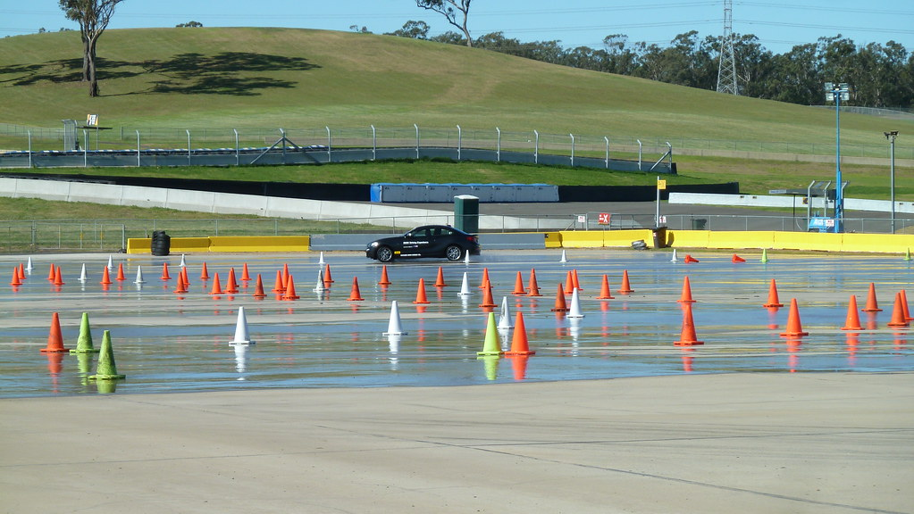 Bmw Driving Experience At Sydney Motorsport Park Eastern Flickr