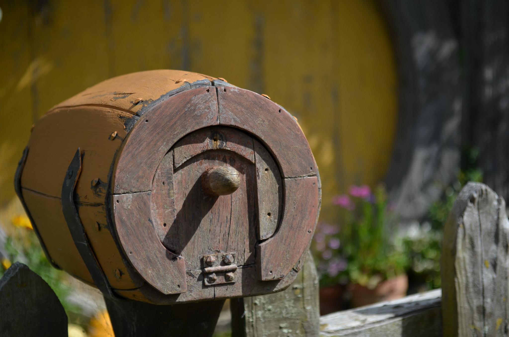 Hobbiton - wee mailbox