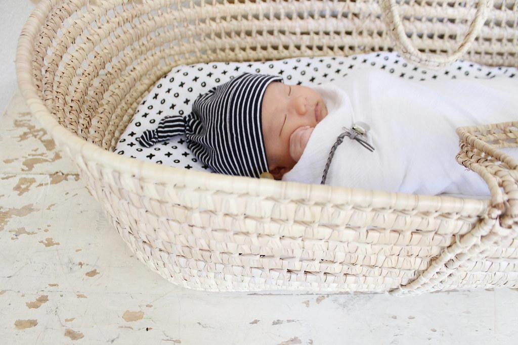 valor at 3 weeks in moses basket