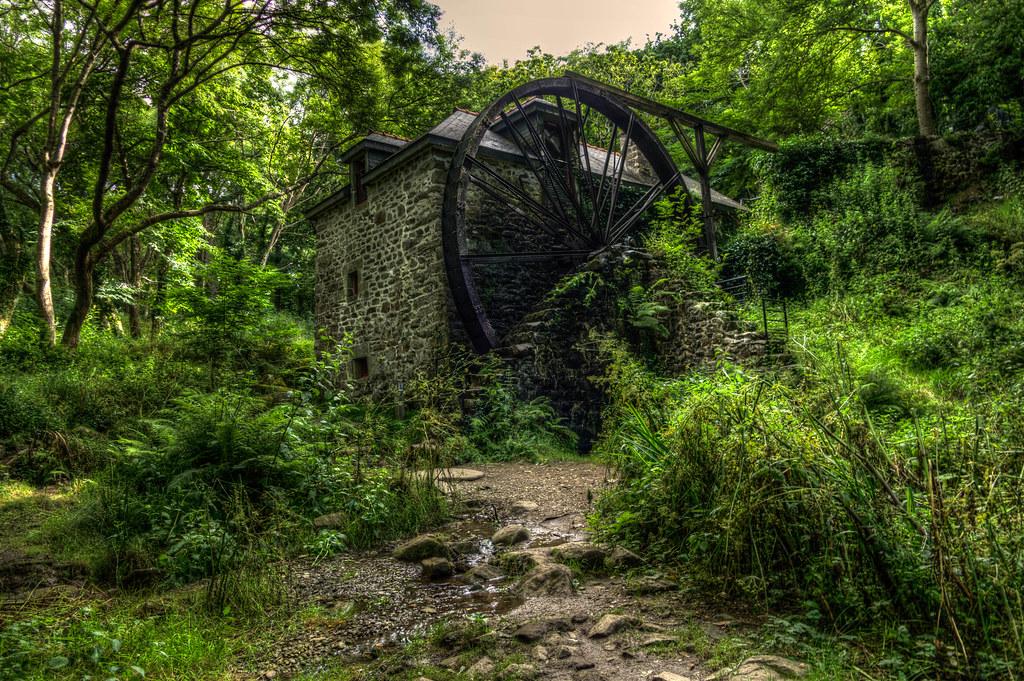 Un moulin dans un oasis de verdure 28393799432_6d440c36e4_b