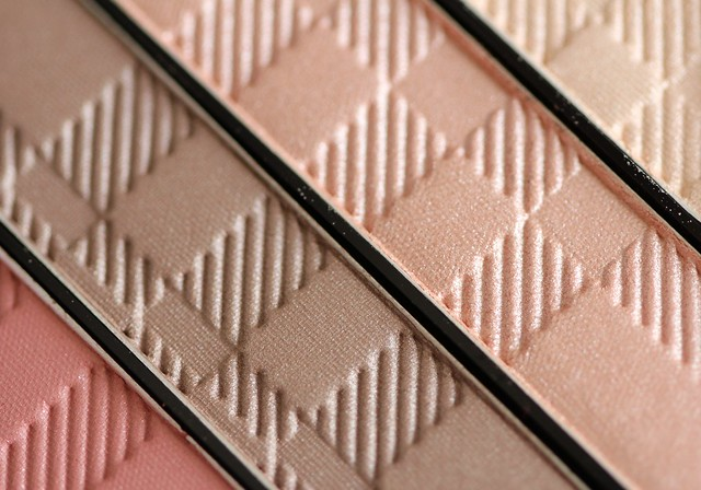 Burberry Complete Eye Palette in Rose Pink No. 10 swatches