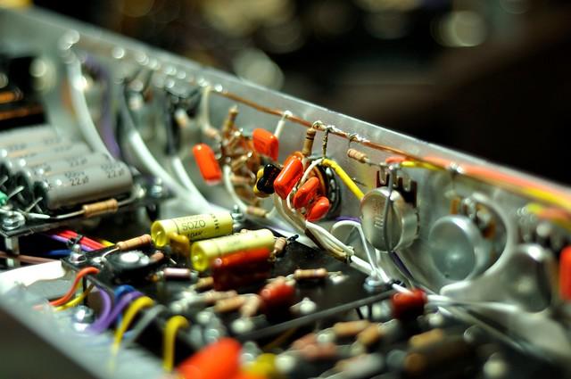 Inside the amp 1