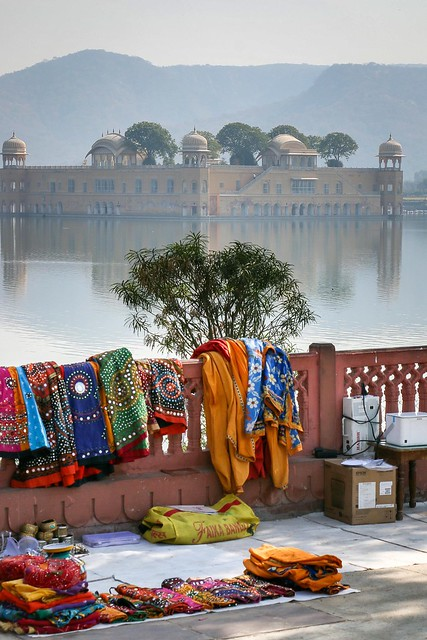 Jal Mahal (Water Palace) on the lake, Jaipur, India ジャイプール、水の宮殿