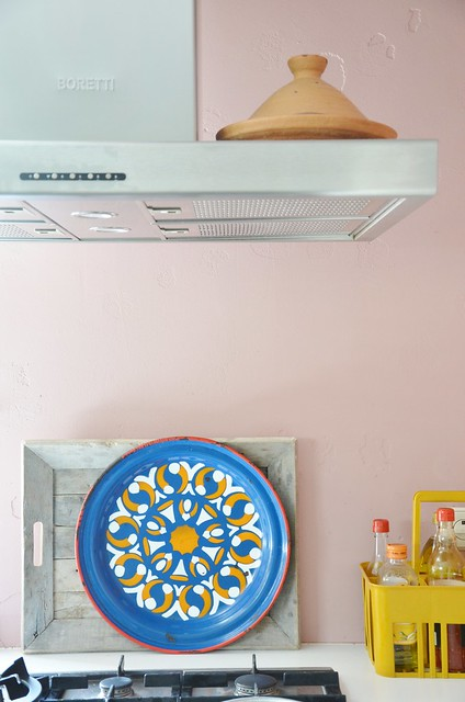 moroccan pink kitchen