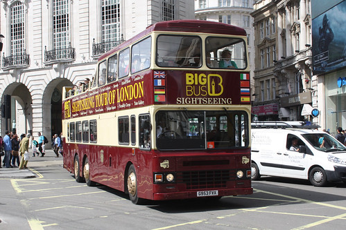 Big Bus Tour DHM953 G953FVX