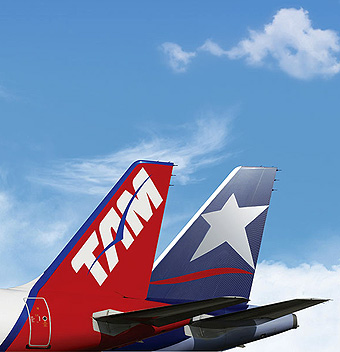 LAN y TAM tails with sky (LATAM Airlines)