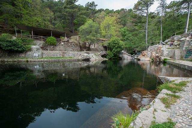 La charca de la nieta las piscinas naturales de piedralaves for Piedralaves piscina natural