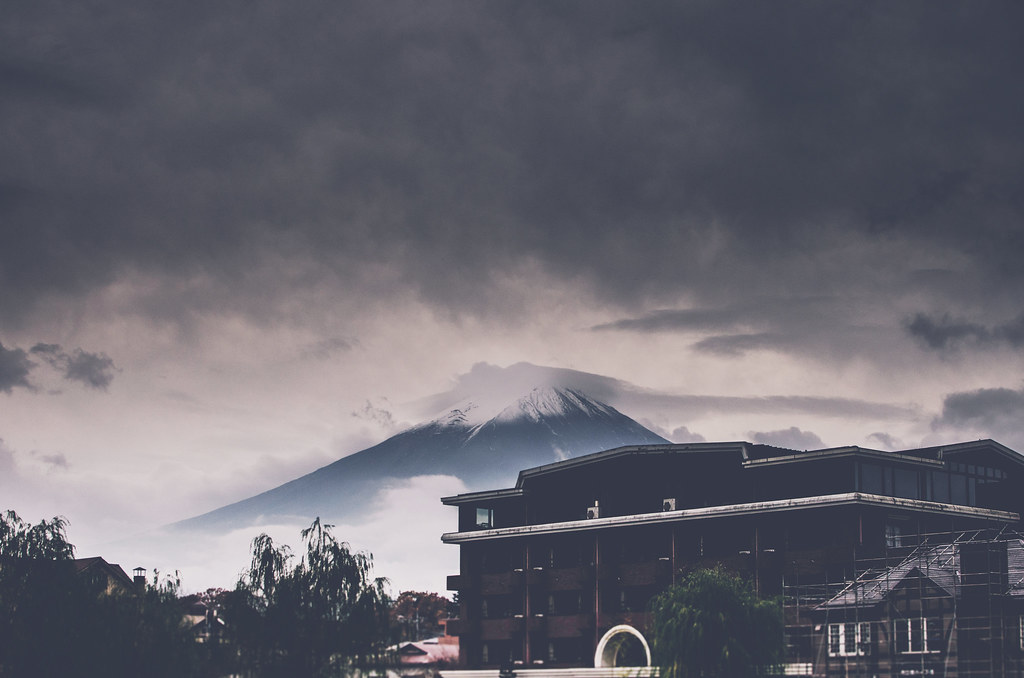Mt Fuji On A Dark Cloudy Day Ikusuki Flickr