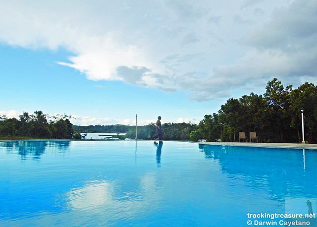 8 Caliraya Mountain Spring Marina Resort - Infinity Swimming Pool