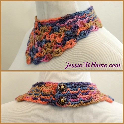 Shelly-Necklace-Free-Crochet-Pattern-by-Jessie-At-Home-side-and-back