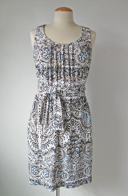 dress front V1236