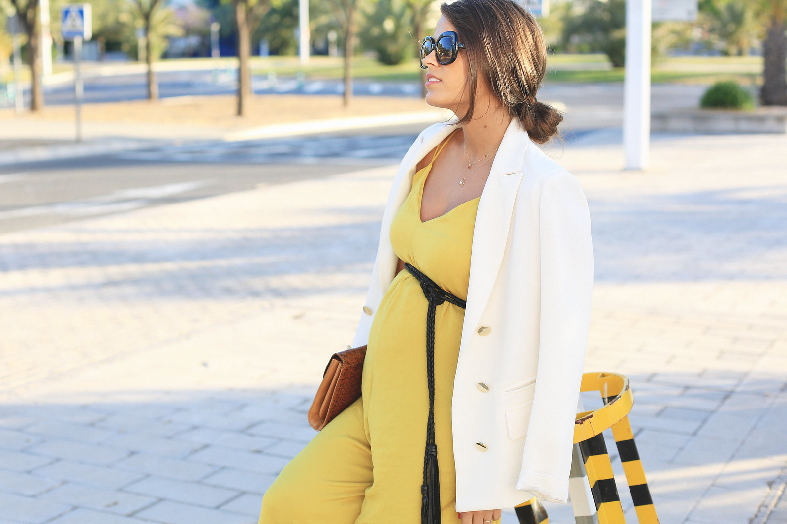 seams-for-a-desire-jessie-chanes-pregnant-outfit-mustard-long-jumpsuit-tous-jewels_cover