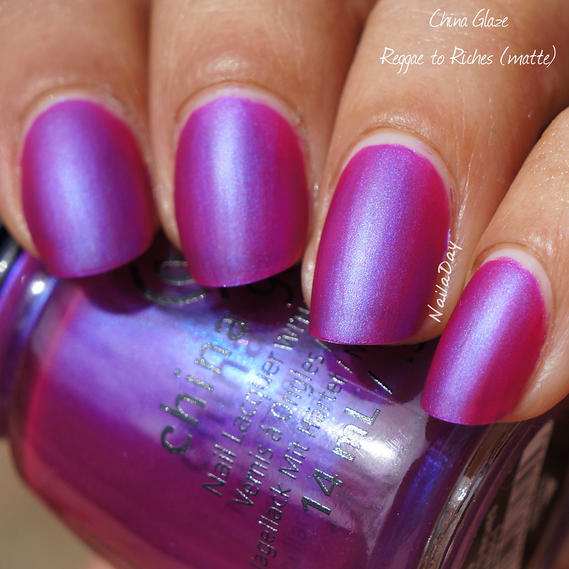 NailaDay: China Glaze Reggae to Riches