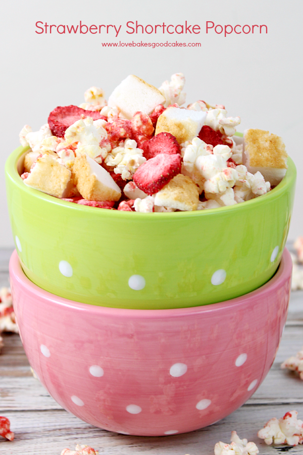 Let the kids unplug this summer with a few boards games and this Strawberry Shortcake Popcorn! #ourJOLLYTIME #ad