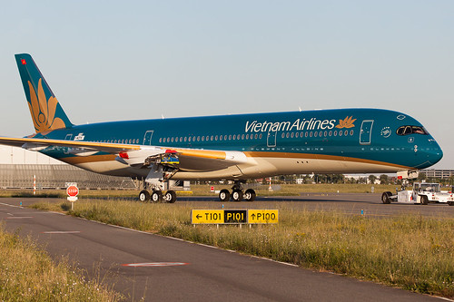 Vietnam Airlines Airbus A350-941 cn 016 F-WZFK // VN-A888 | by Clément Alloing - CAphotography