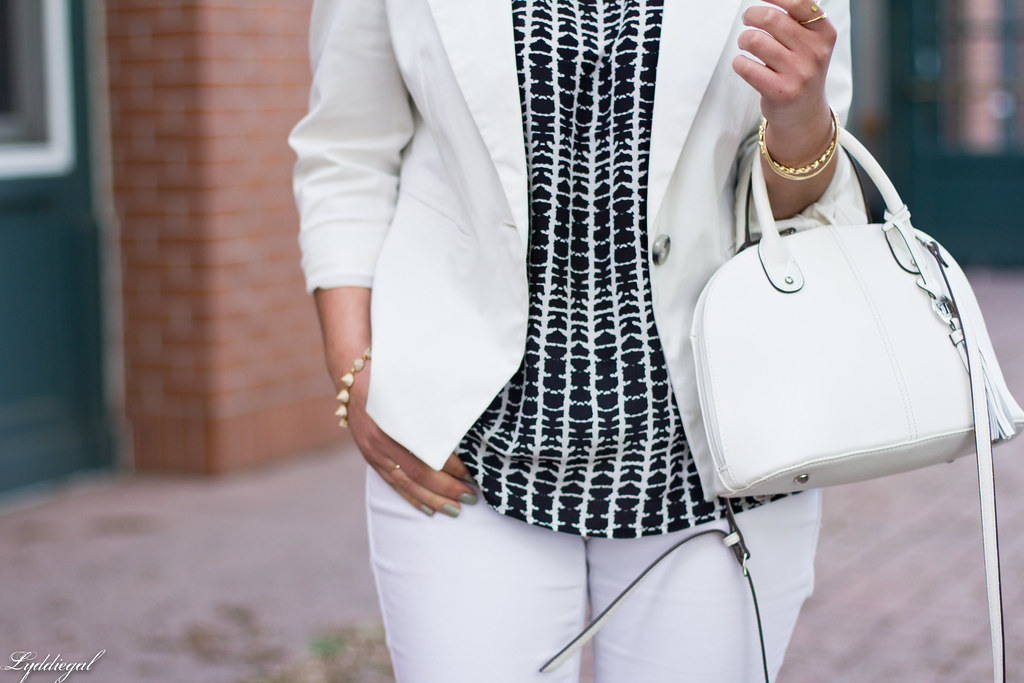 white jeans, white blazer, black and white blouse-6.jpg