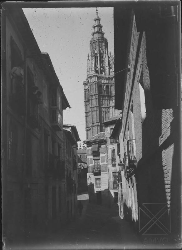 Toledo hacia 1900 fotografiado por Salvador Ramón Azpiazu Imbert ©Archivo Municipal del Ayuntamiento de Vitoria-Gasteiz