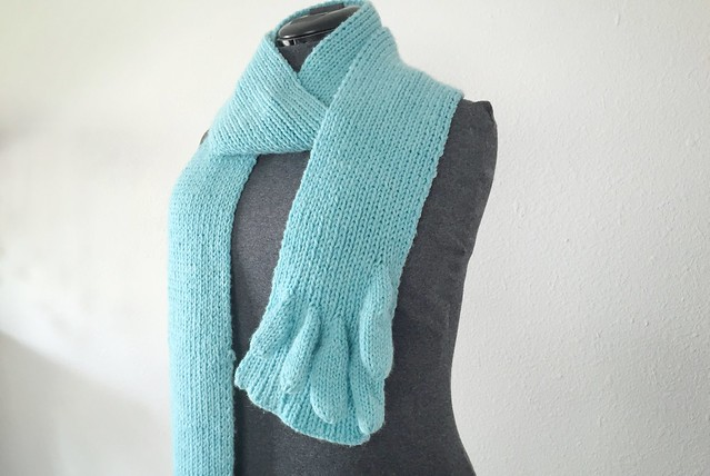 Knit Fingerscarf