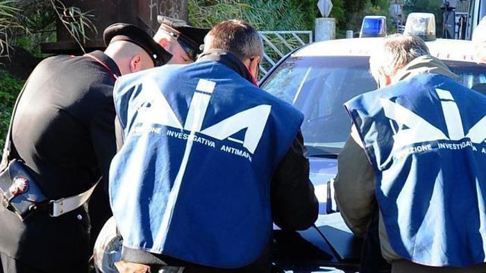 Sgominato dai carabinieri giro di racket nella piana del Sele