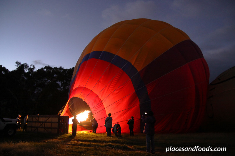 yarra valley hot air balloon inflating