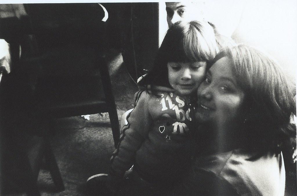 Madre e hija   Marcos Morales   Flickr