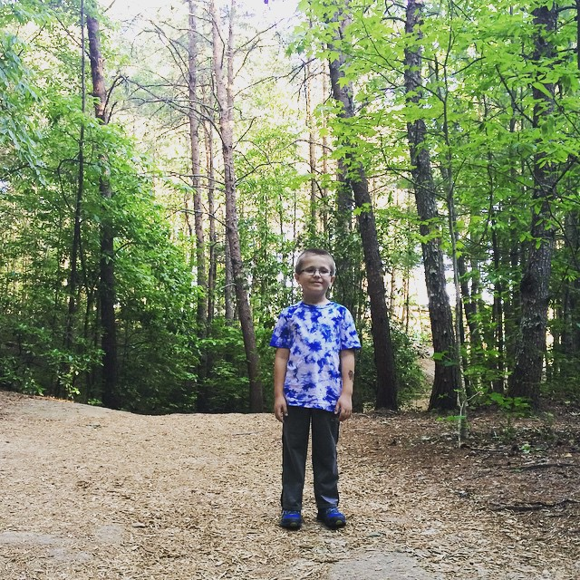 Z on the #trails. #beautifulday #tallulahfalls #tallulahgorge #tallulahgorgestatepark #stateparks #discovergeorgia #exploregeorgia #georgia #northgeorgia #hiking #kids #igersga #igersgeorgia #green #trees #nature