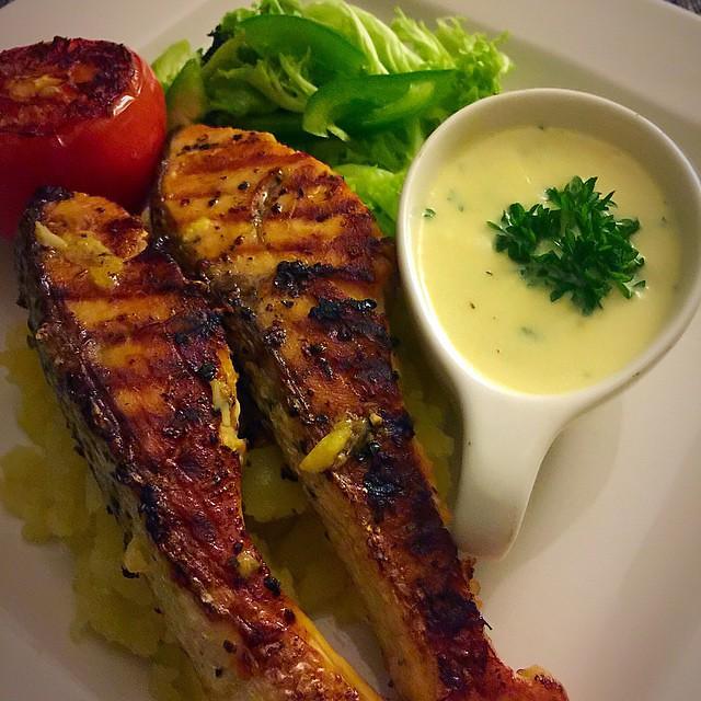 Salad Sayur Salmon Dinner Menu Makan Makanmalam We Flickr