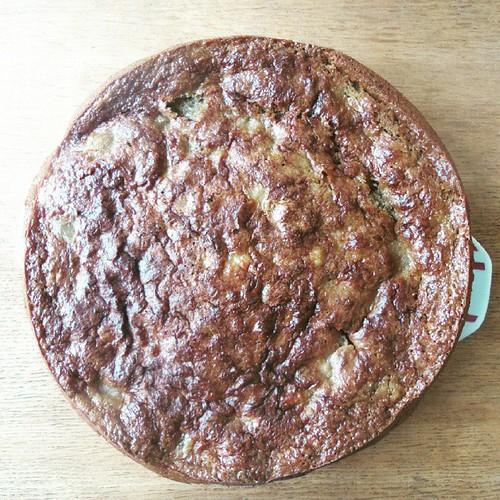 Gâteau rhubarbe - pomme - caramel beurre salé :)