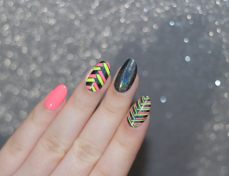 lacquerstyle kgrdnr neon fishtail nail art orly glowstick china glaze flip flop fantasy color club beyond hand painted
