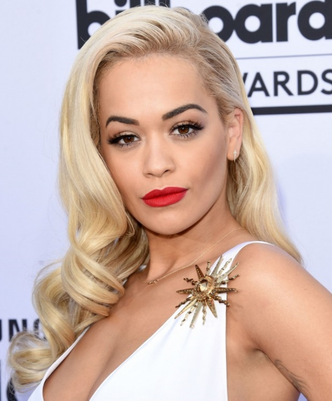 maquiagem-billboard-music-awards-rita-ora-620x749