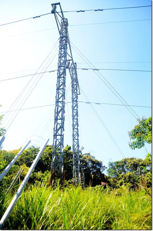 耆路巴林山東峰輸電塔