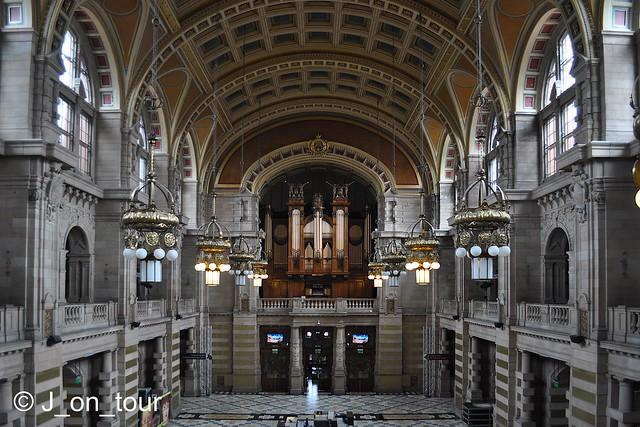 The main hall   GJC_016929_edited-1