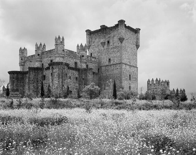 Castillo de Guafamur fotografiado por Evelyn Hofer en los años 50 © Evelyn Hofer