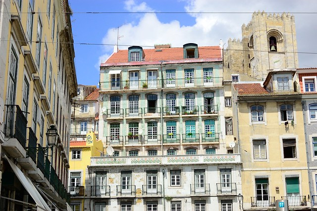 Near the cathedral | The Streets of Lisbon | No Apathy Allowed
