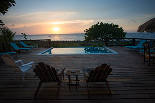 Sunset From Coco Lobo in Roatan, Honduras | by goingslowly