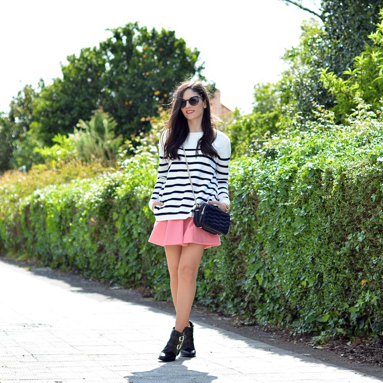 zara_ootd_outfot_navy_stripes_shorts_botas_como_combinar_01