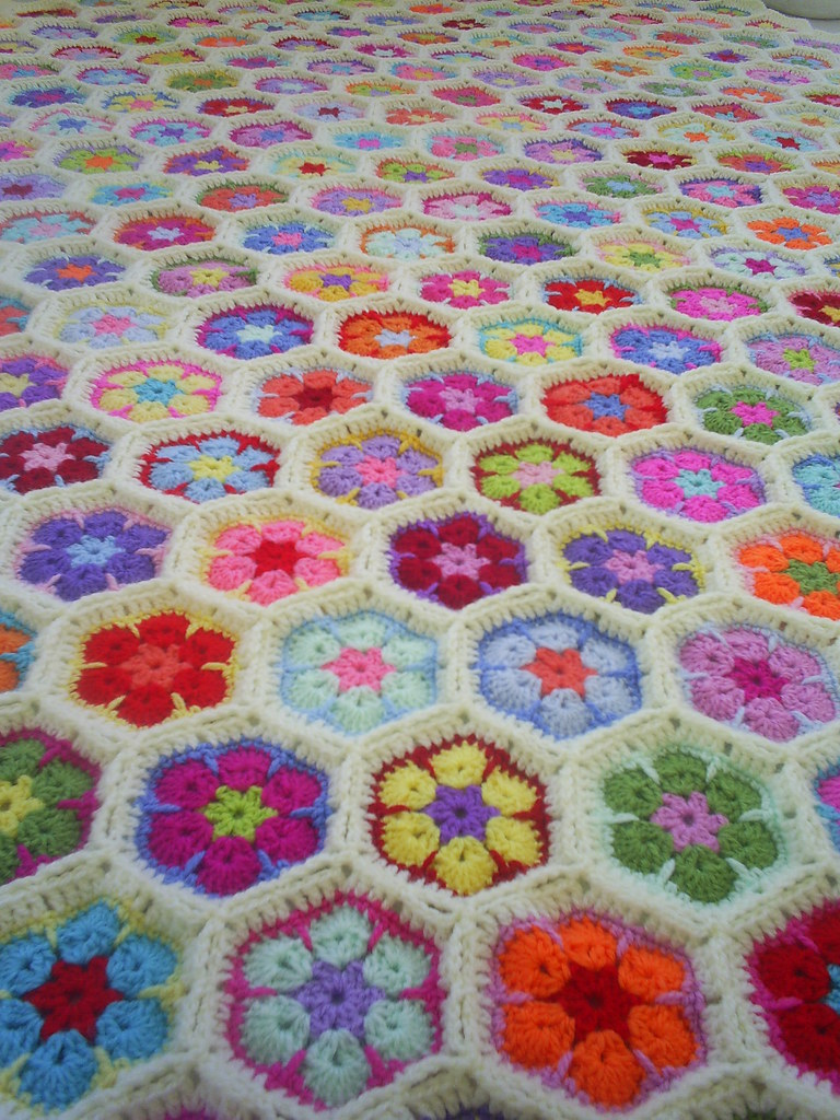 Crochet African Flower Hexagon Motif Blanket In Cream Edgi Ria