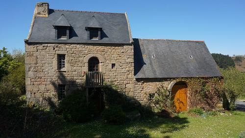 Vieille maison bretonne en pierre au yaudet commune de pl for Vieille maison en pierre