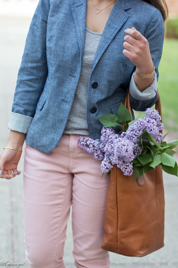 Chambray blazer, pink jeans, leather tote-4.jpg