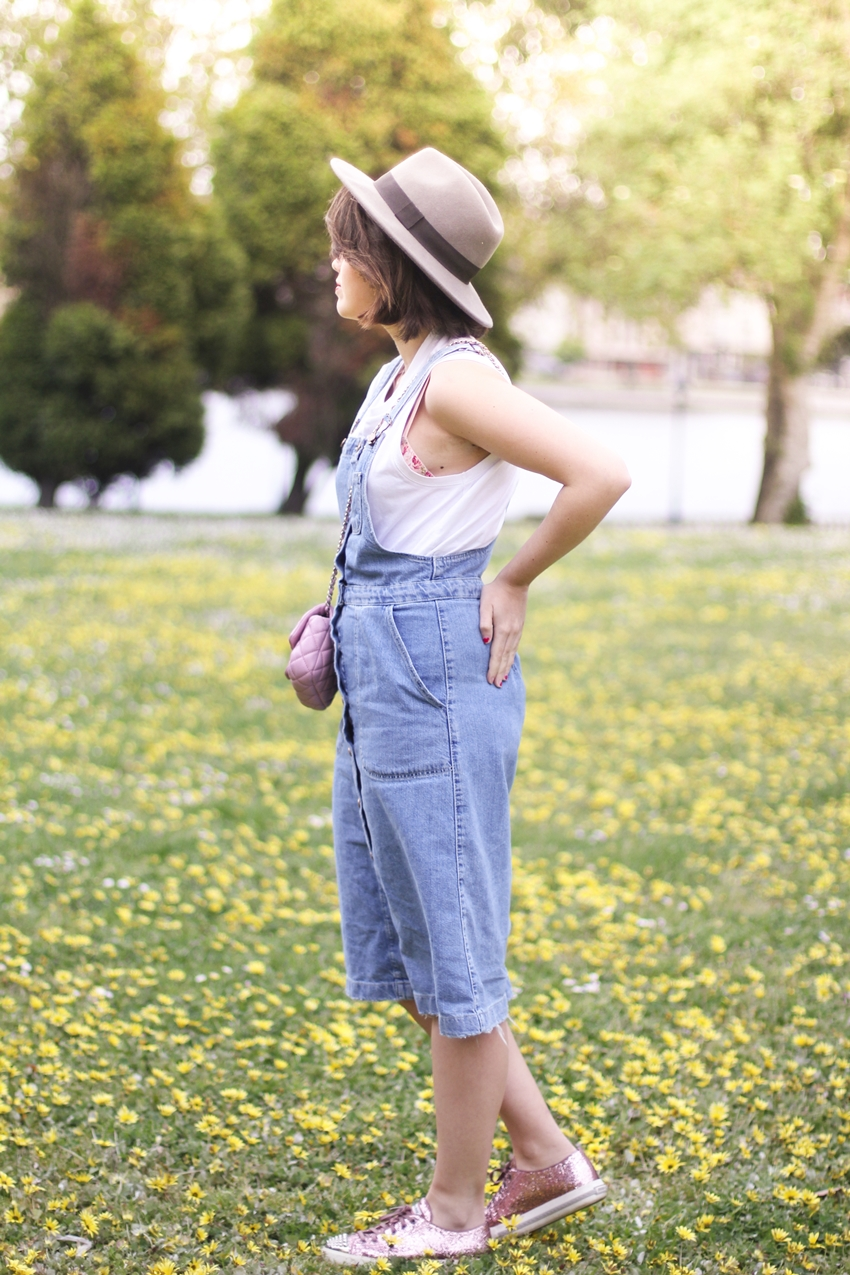 denim-dress-streetstyle-pink-bag-myblueberrynightsblog
